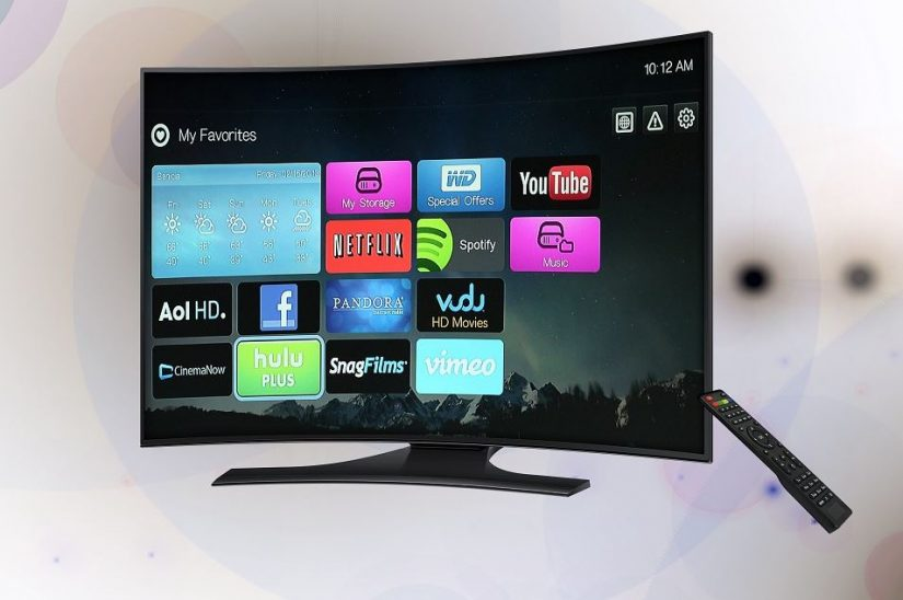 Digital Savings: Should You Bundle Your TV, Phone, and Internet Services?