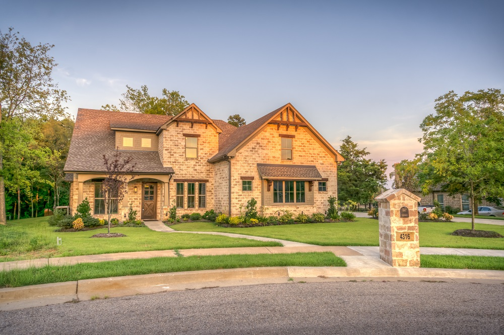 Live Life Right: How To Become The Homeowner You've Always Wanted To Be
