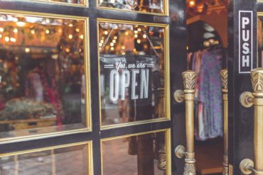 Opening a Retail Store? 4 Tips for Appealing to Customers